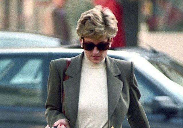 Ces looks de Lady Diana vont vous donner envie d'adopter le combo jean blazer