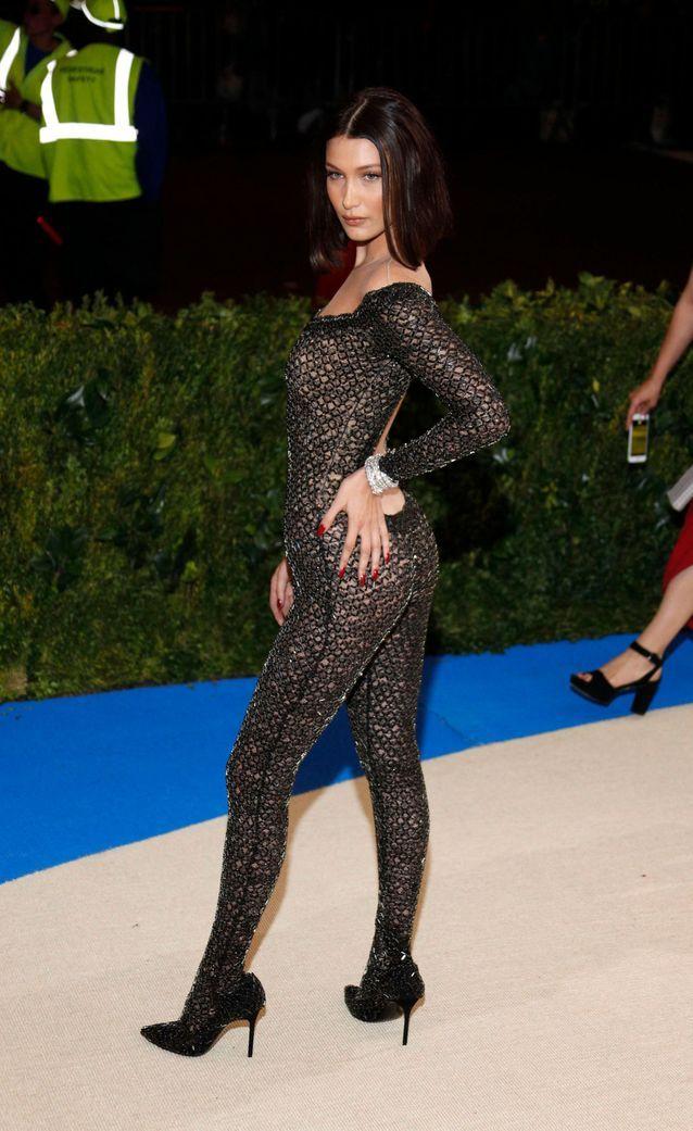 La revenge dress de Bella Hadid au Met Gala 2017