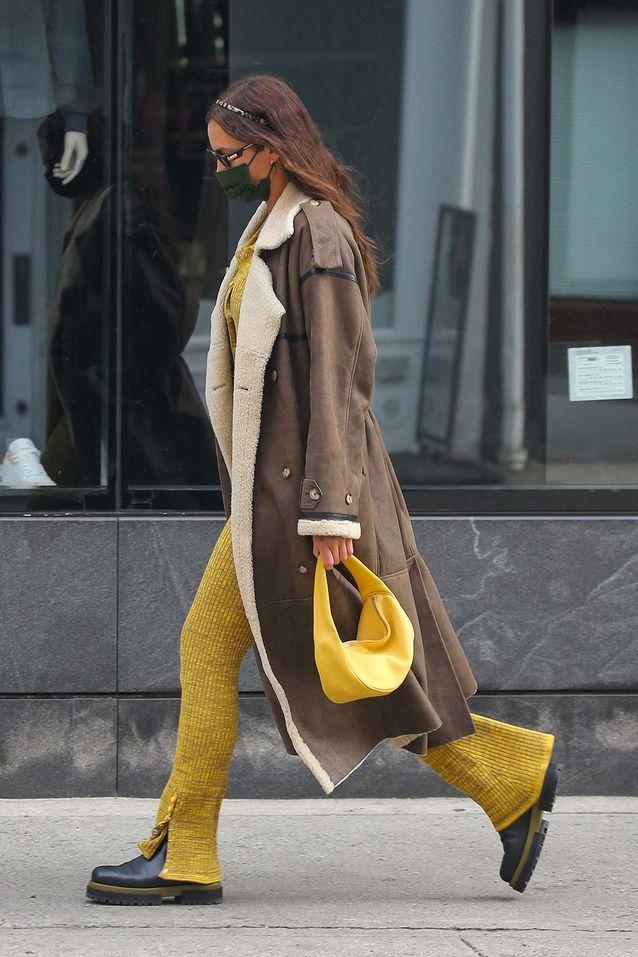 Irina Shayk et le Cush Bag de By Far
