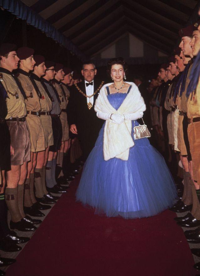 Sur une robe de bal, tu miseras