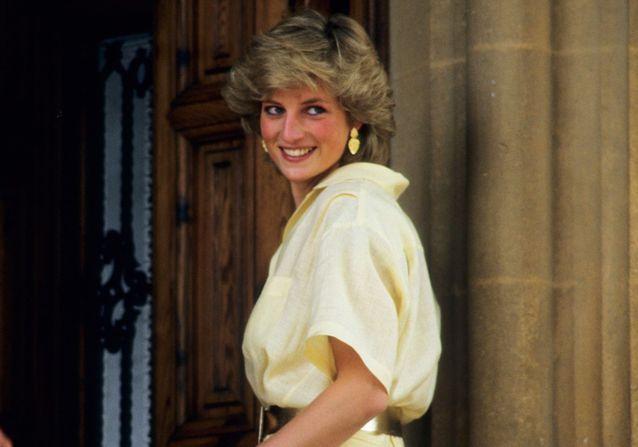 Les 50 plus beaux looks de Lady Diana qui nous inspirent toujours autant