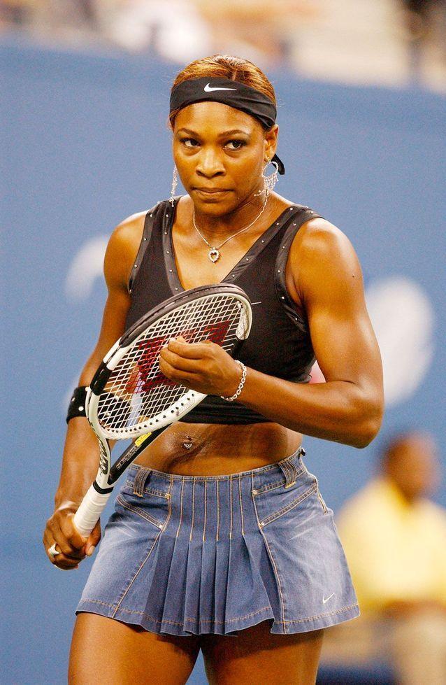 Serena Williams en mini-jupe en jean à l'US Open 2004