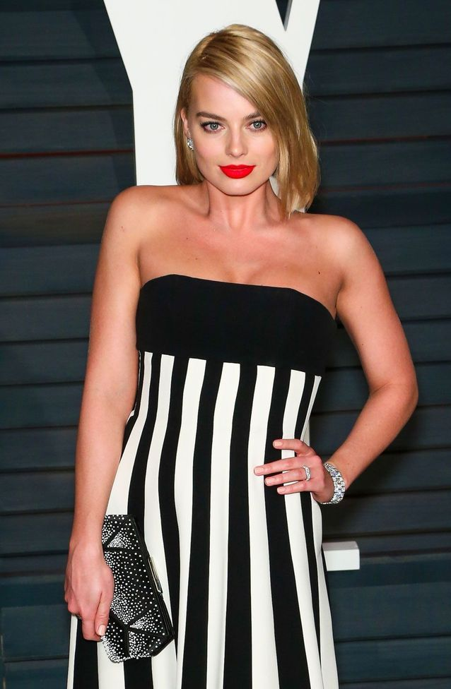 Margot Robbie en robe bustier