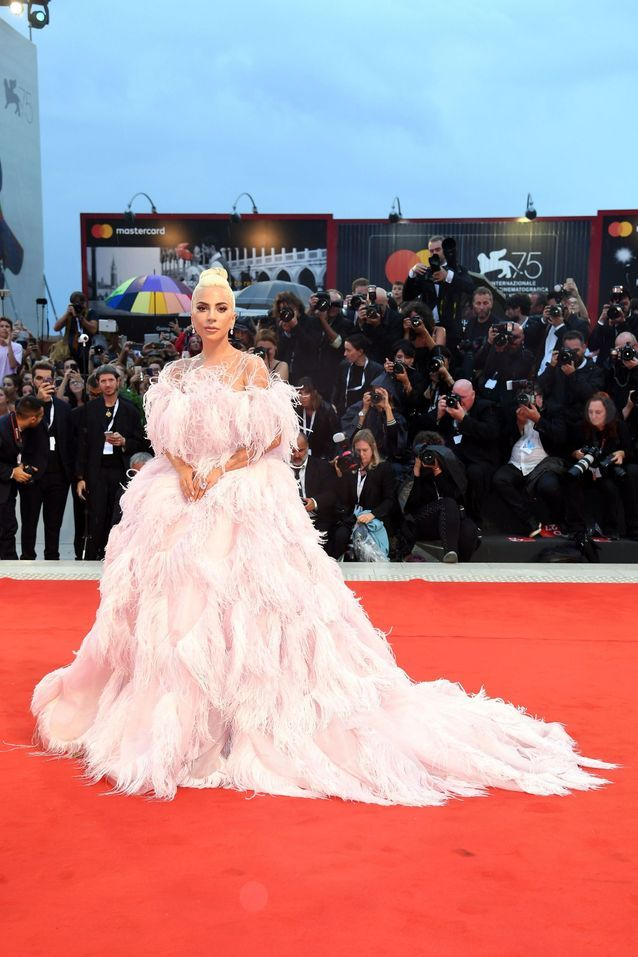 Lady Gaga sur le tapis rouge de la Mostra de Venise