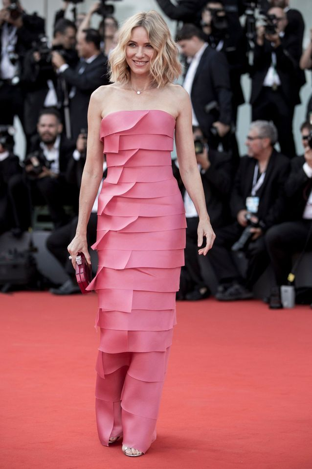 Naomi Watts sur le tapis rouge de la Mostra de Venise