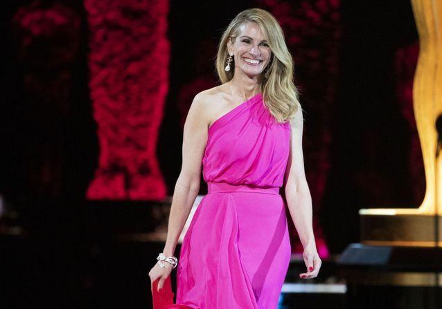 Oscars 2019 : Julia Roberts s'affiche avec la couleur phare de la soirée