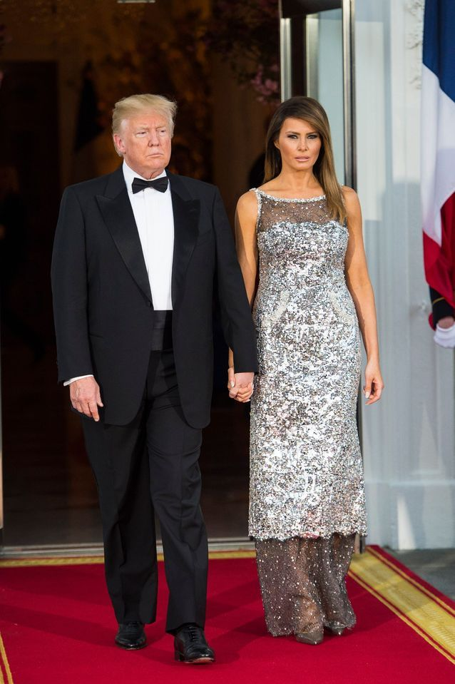Melania Trump vêtue en robe de soirée Chanel, le 24/04/2018 lors du dîner d'état donné en l'honneur du président Macron