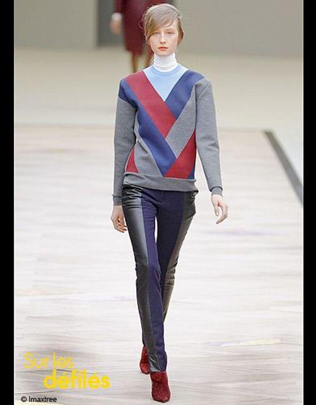 Mode tendance look sous pull Celine