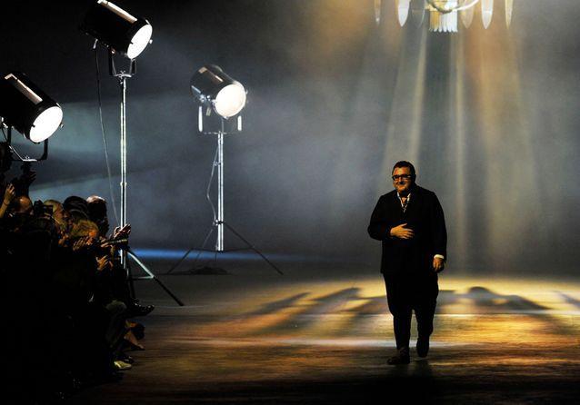 Alber Elbaz : retour en images sur la carrière du couturier