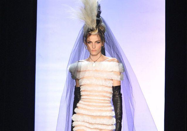 Andreja Pejic, l'incroyable mariée du défilé Jean Paul Gaultier