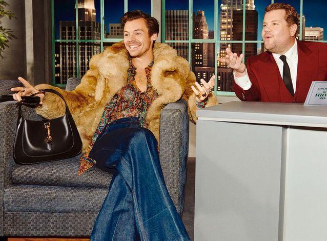 Harry Styles sur le plateau du talk show Gucci avec le Jackie 1961