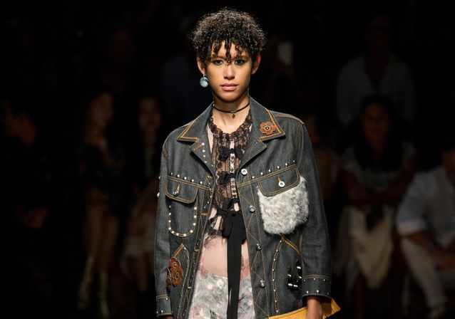 Dilone, nouvelle star des podiums de la Fashion Week