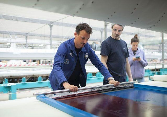 #ELLEDécouvre… les secrets de fabrication des foulards Amédée Paris x Nicolas Ouchenir