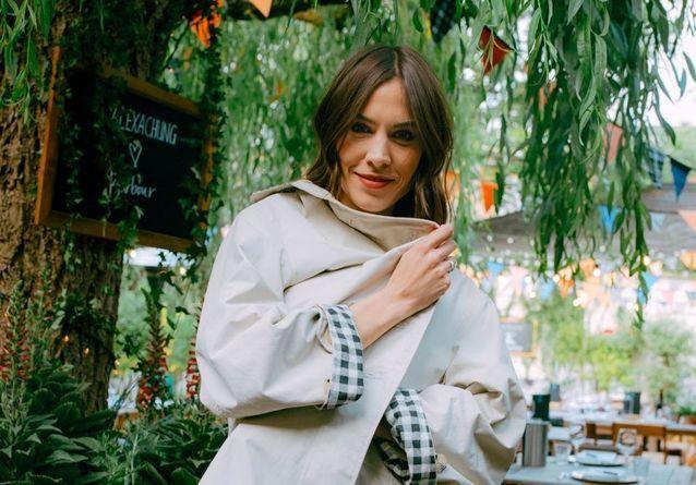 #ElleFashionCrush : Alexa Chung collabore avec Barbour pour une collection très british