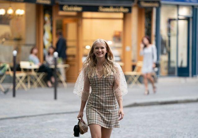 Emily in Paris : où shopper les pièces mode de la série ?