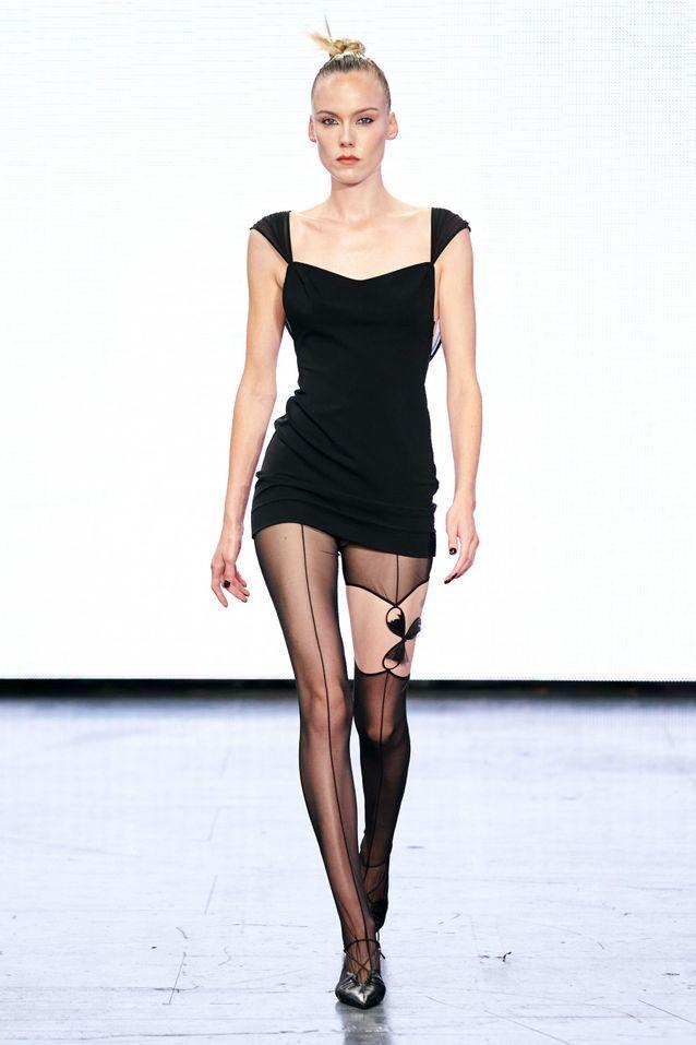 Nensi Dojaka Fashion Week Londres 2021