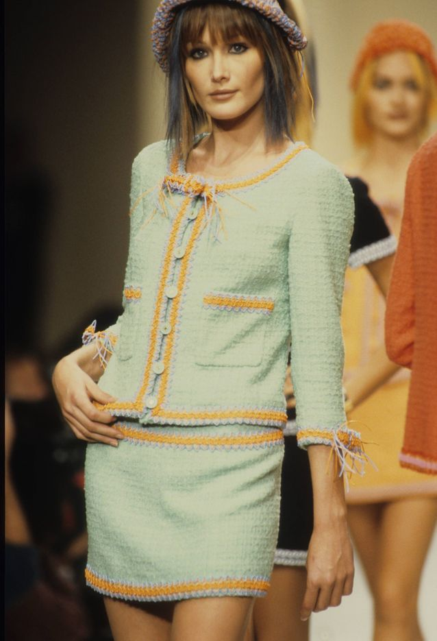 Carla Bruni défilé Chanel printemps-été 94