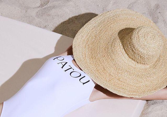 L'instant mode : Patou signe les essentiels mode des vacances en bord de mer