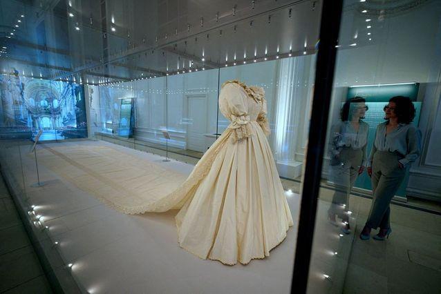 Lady Diana Spencer's wedding dress
