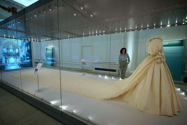 The nearly eight-meter train of Lady Diana's dress