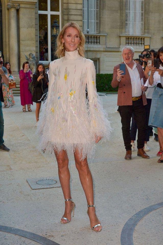 Céline Dion s'impose en icône de mode à la Fashion Week de Paris