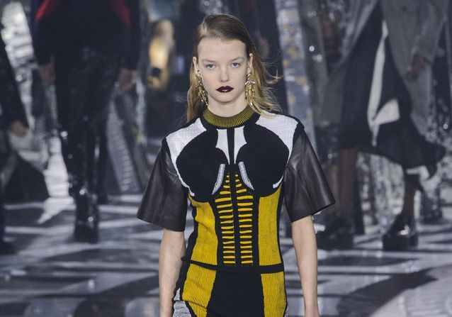 Fashion Week : les plus beaux looks de la semaine de la mode à Paris