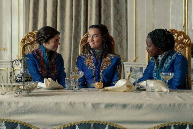 Les costumes de Marie, Alina et Nadia