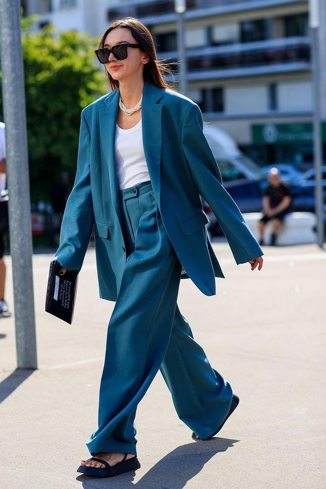 Un blazer XXL porté façon tailleur