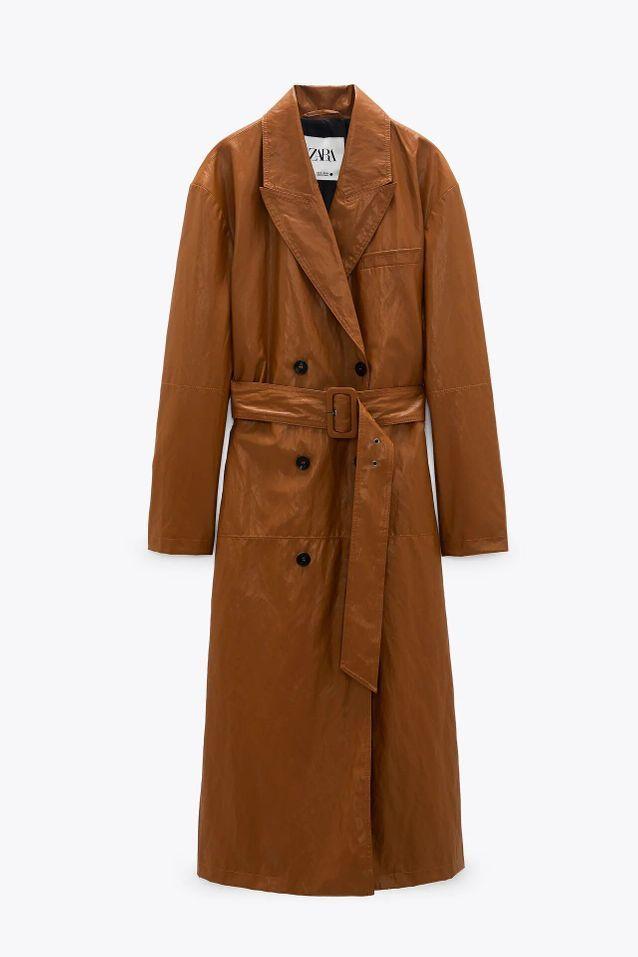 Manteau trench en vinyle soldé Zara