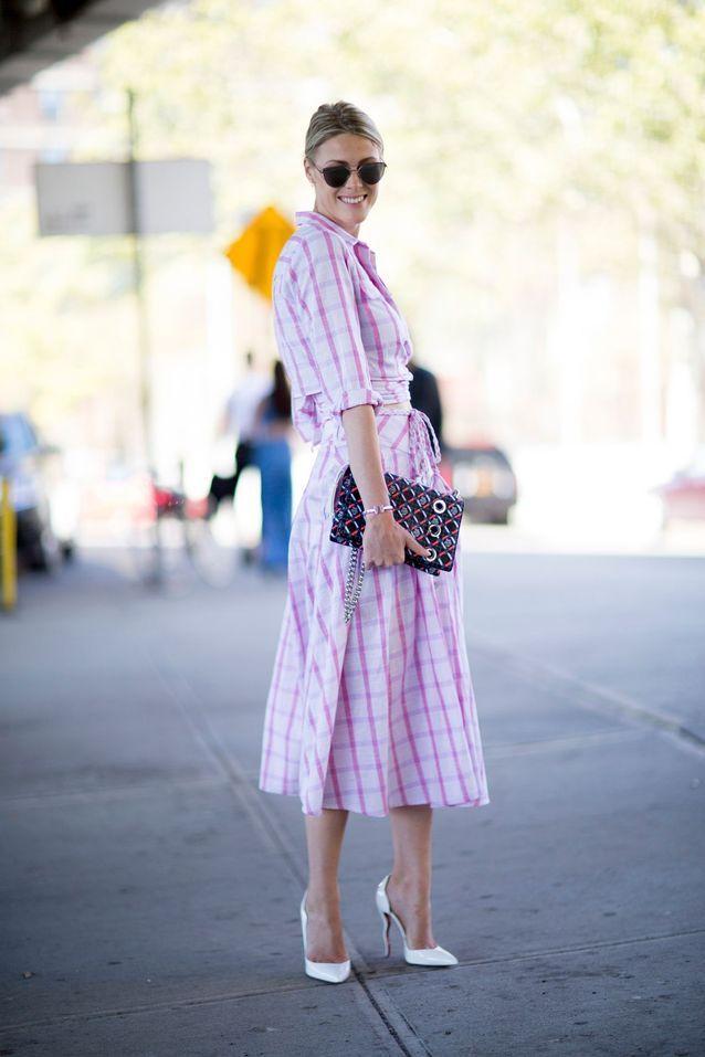 Comment être stylée avec une jupe midi