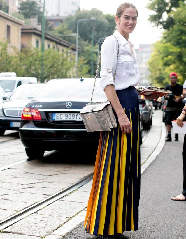 6ca73c5fc7 La jupe plissée longue - Comment porter la jupe cette saison ? - Elle