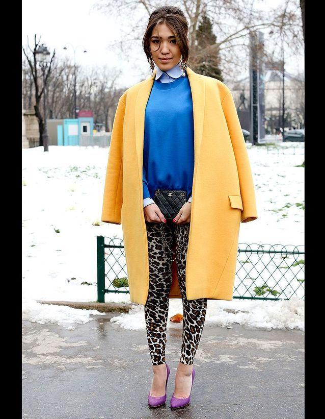 ce8470ee272b9 Street style : comment être chic sous la neige ? Tenue colour block ...