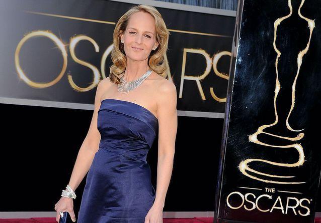 Histoire d'une tenue : la robe H&M d'Helen Hunt aux Oscars 2013