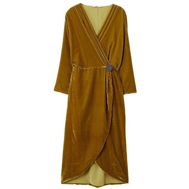5785e8b7d2e Robe en velours cache cœur Mango - 25 robes en velours qui ont ...