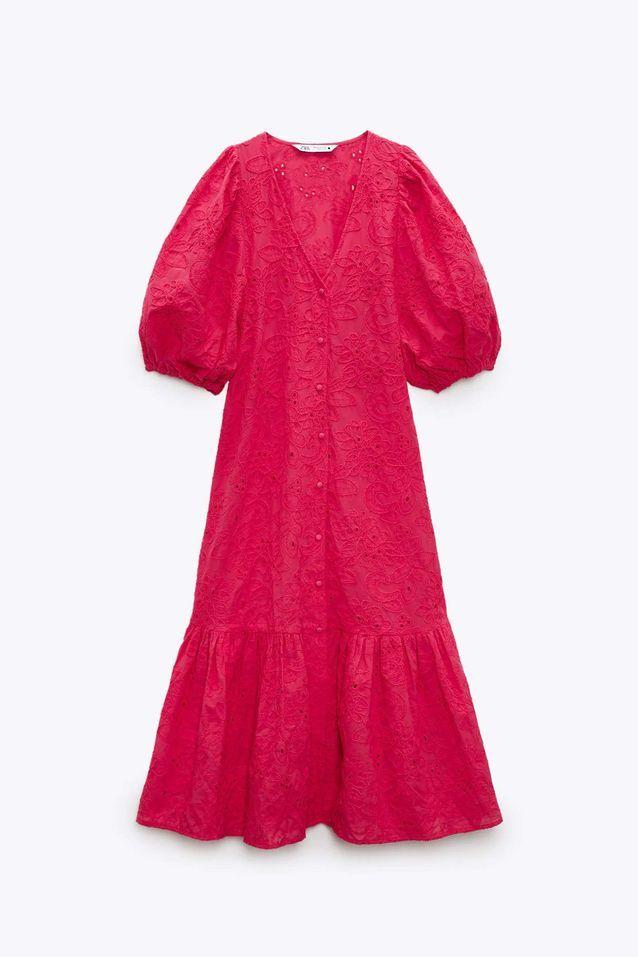 Robe à broderies rouge soldée Zara