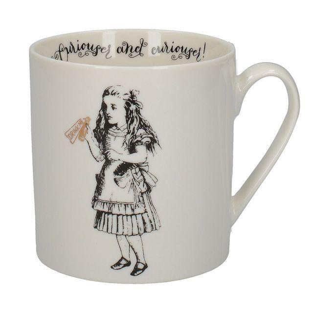 Un tasse Alice au pays des Merveilles