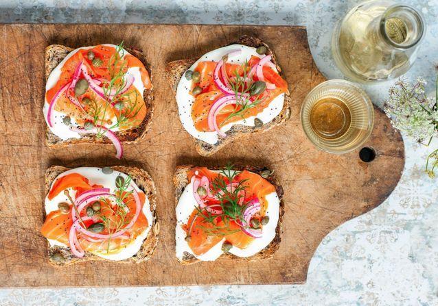15 idées d'apéritifs de Noël au saumon fumé