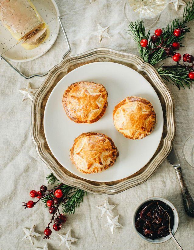 Feuilletés de Noël : Chaussons au foie gras et confit d'oignon