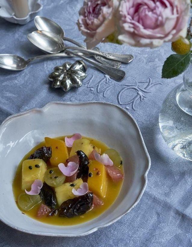 Repas de Noël sans gluten : Salade d'agrumes et de fruits exotiques à la rose