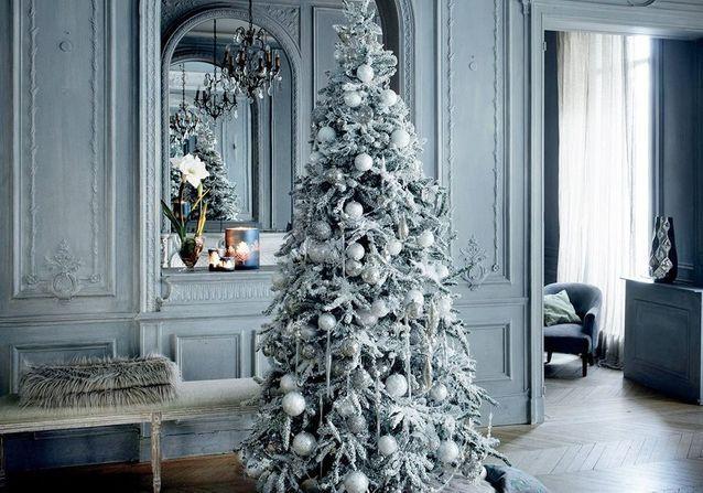 12 sapins de Noël blanc pour des fêtes magiques , Elle