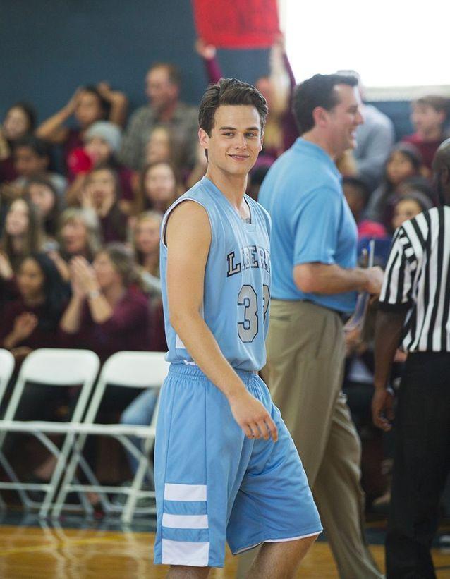 Justin Foley : Brandon Flynn
