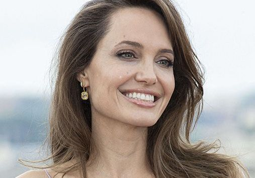 Angelina Jolie aurait-elle renoué avec son ex-mari, Jonny Lee Miller ?