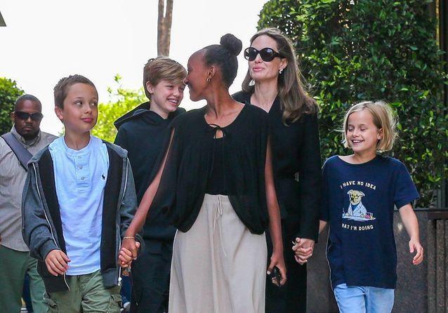 Knox, Shiloh, Zahara, Angelina et Vivienne