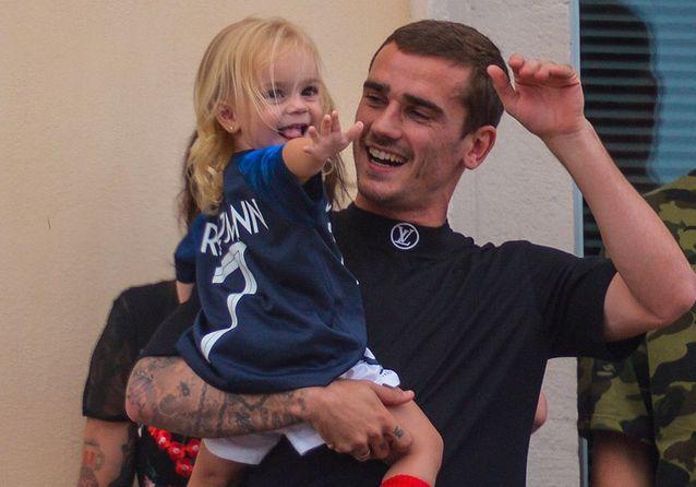 Antoine Griezmann : père souvent absent, il culpabilise auprès de sa fille Mia