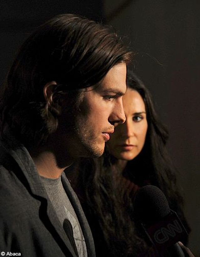 Ashton Kutcher et Demi Moore divorcent