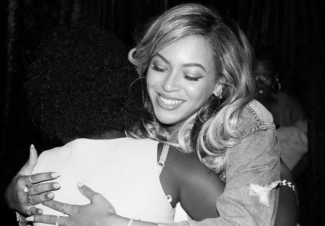 A Houston, Beyoncé rencontre les rescapés de l'ouragan Harvey