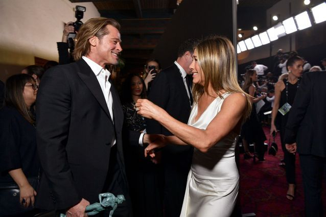 Jennifer Aniston et Brad Pitt se retrouvent en coulisses des SAG Awards