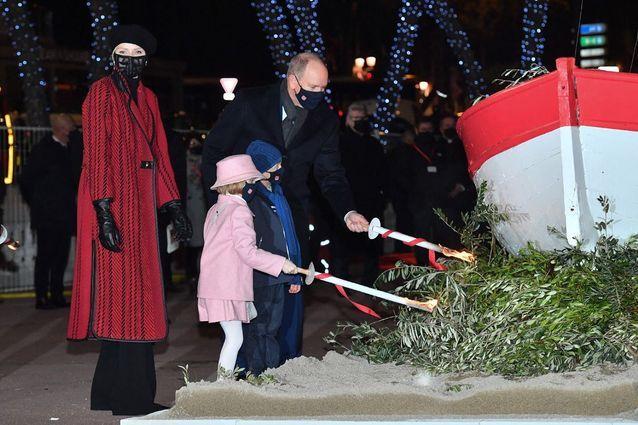 Charlène de Monaco honore la sainte patronne Dévote
