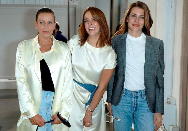 Charlotte Casiraghi et Stéphanie de Monaco réunies pour le premier défilé de Pauline Ducruet
