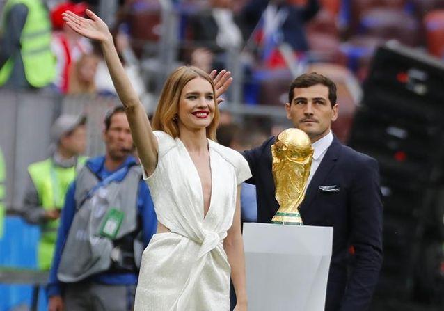 Coupe du monde : Natalia Vodianova, Robbie Williams, supporters en folie, les meilleures images de la cérémonie d'ouverture !
